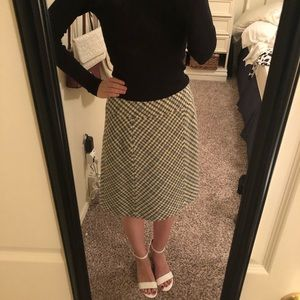 Ann Taylor tweed A line skirt, size 4